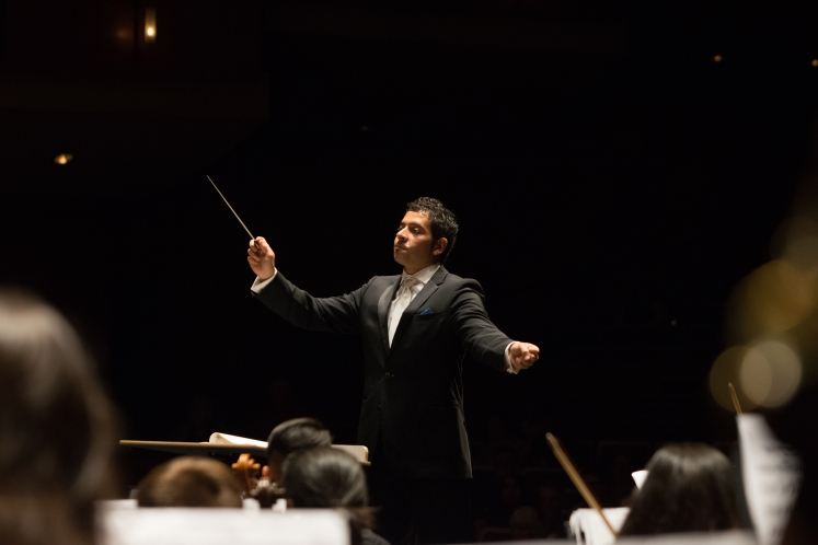 Christian Baldini conducting the UC Davis Symphony Orchestra
